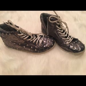 Steve Madden spiked Metallic Sneakers